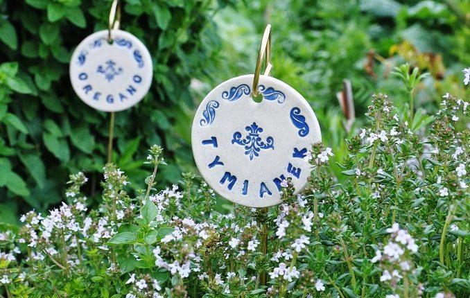 Prezent dla ogrodnika – ceramiczne tabliczki do ziół