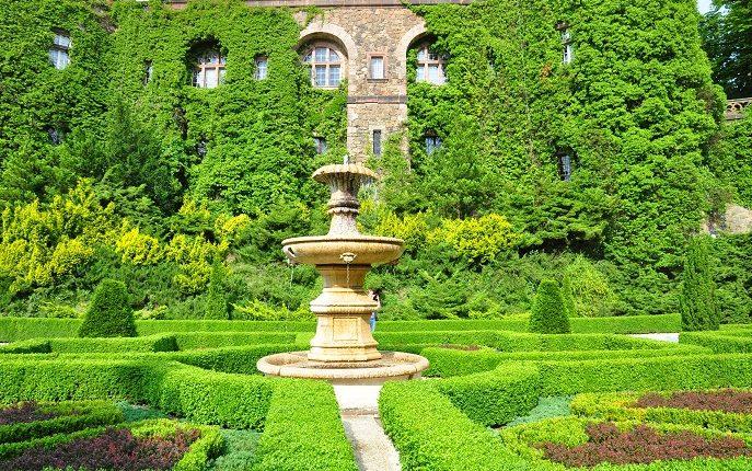 Ogrody przy Zamku w Książu