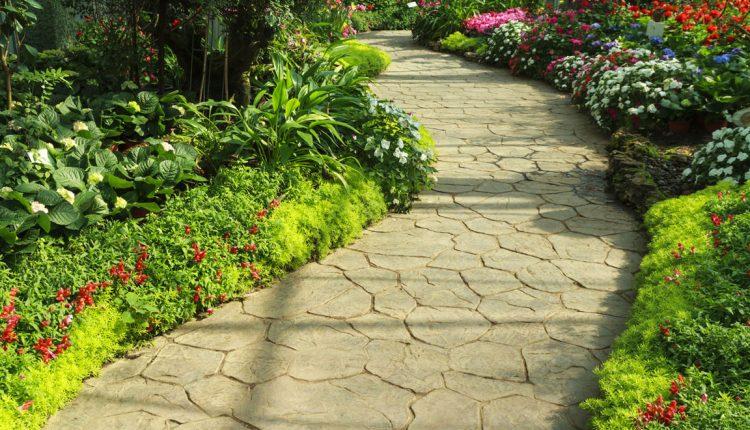 Jak dobrać kamień na ścieżki ogrodowe?